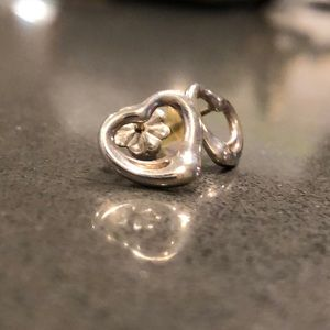 Jewelry - Tiffany Elsa Peretti Heart Earrings